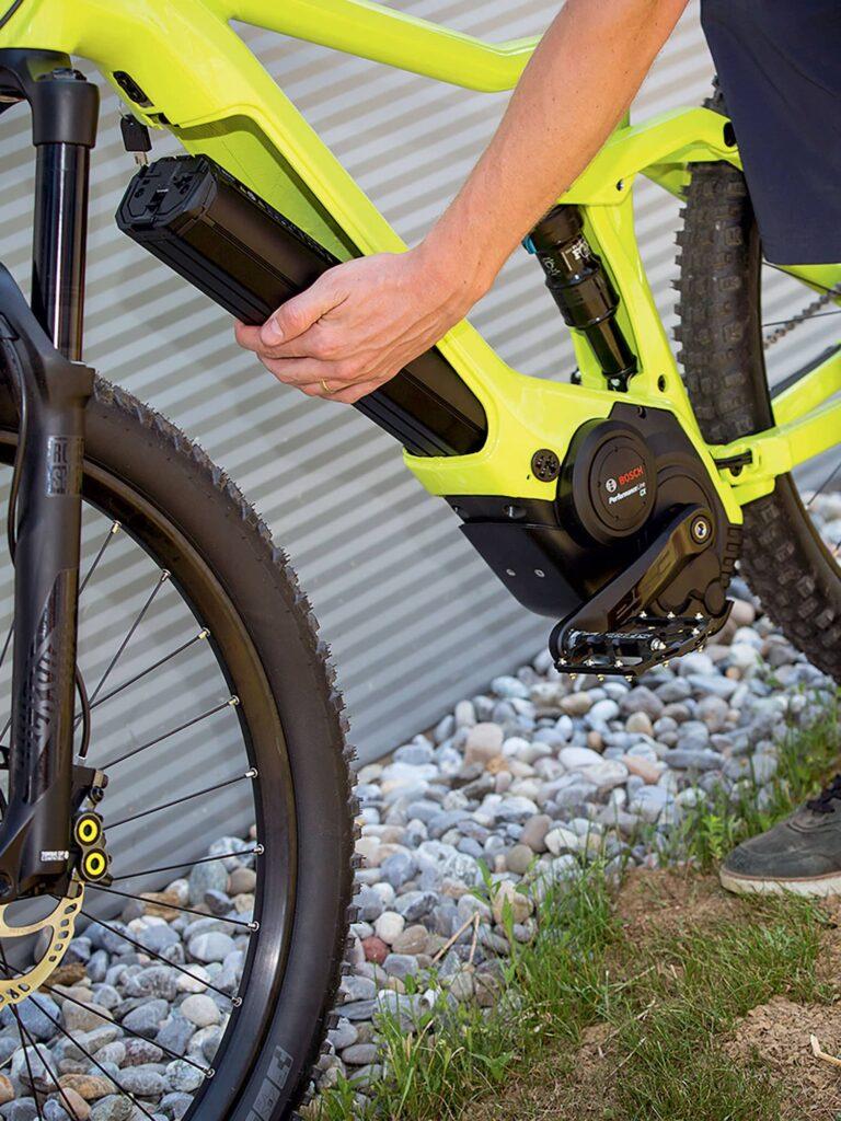 Comment puis-je augmenter l'autonomie de mon vélo électrique?