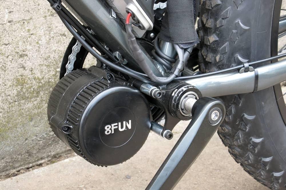 Le moteur du vélo électrique dans le pédalier : pour une conduite plus polyvalente et naturelle