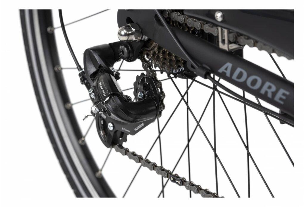 Quels sont les autre éléments important du vélo électrique Adore Versailles ?