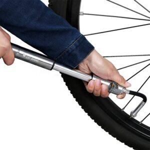 La pompe à main flexible